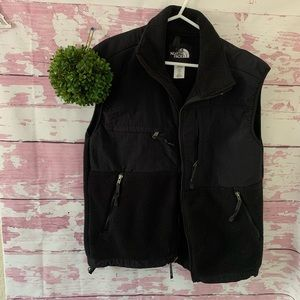The North Face Men's Apex Soft Shell Vest Pockets